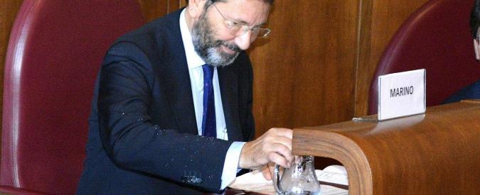 """Roma, """"Marino non paga 8 multe"""". Il sindaco: """"Avevo pass ztl temporaneo"""""""