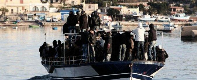 """Migranti, l'Ue: """"La lotta ai trafficanti sarà tra le nostre priorità top"""""""