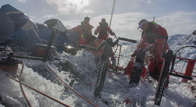 Vela: Maserati abbandona il tentativo di record del nord Atlantico