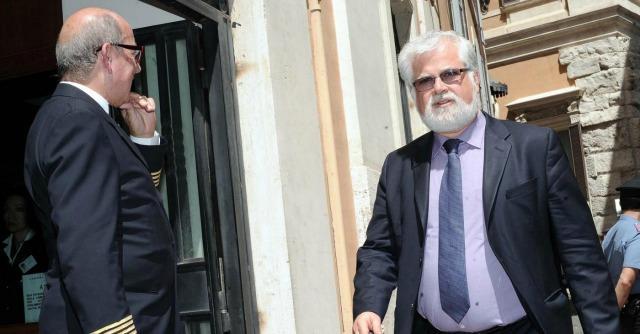 M5S: le bugie di Grillo su Orellana