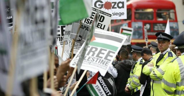 """Londra: """"Riconoscere lo Stato di Palestina"""". Israele: """"Così minate il processo di pace"""""""