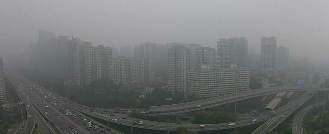 Pechino, smog record: cinesi in vacanza forzata per non rovinare vertice Apec