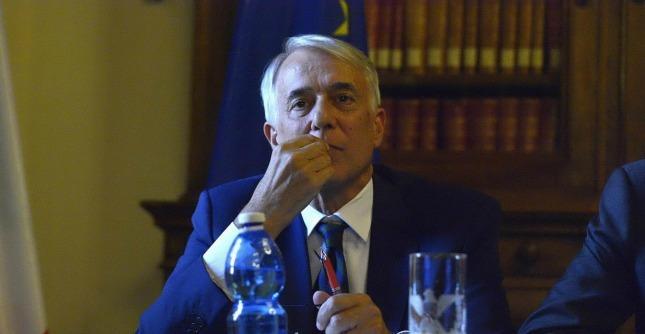 Nozze gay, il prefetto di Milano chiede documentazione a Pisapia