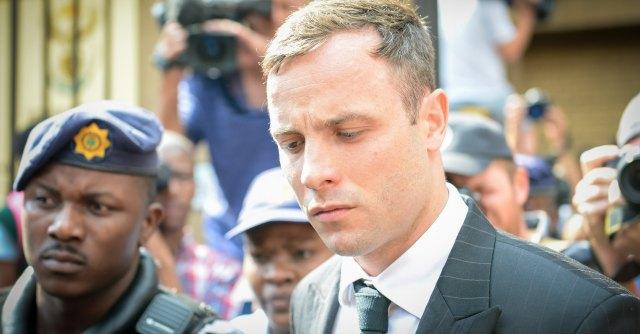 Pistorius condannato a 5 anni per omicidio colposo. Uccise la fidanzata a San Valentino