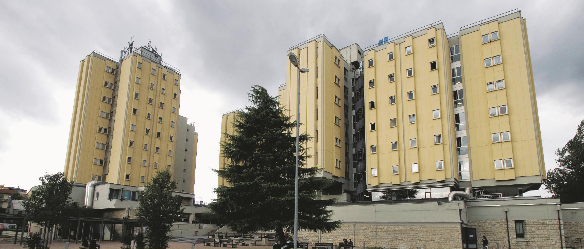 PRIMA. (Foto Hit Gracci)  Firenze, Casa dello studente  Sul numero de Il Fatto Quotidiano di lunedì 10/11/2014