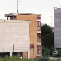 PRIMA. (Foto di Giulio Vesprini)  Civitanova, quartiere popolare San Marone.  Sul numero de Il Fatto Quotidiano di lunedì 24/11/2014