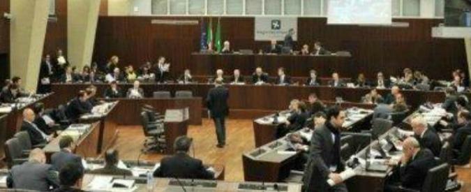 Lombardia, i vitalizi degli ex consiglieri indagati, imputati e condannati