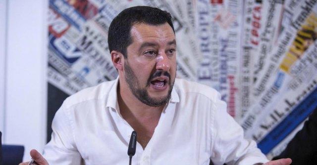 """Lega, Salvini in Russia alla Duma: """"No alle sanzioni Ue"""". E la Padania lo celebra"""