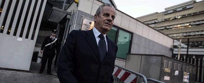 """Scajola assolto da ricettazione, aveva documenti carabinieri su """"rivale"""" nel Pdl"""