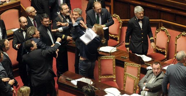 Jobs act, 5 giorni di sospensione al capogruppo Lega dopo bagarre al Senato