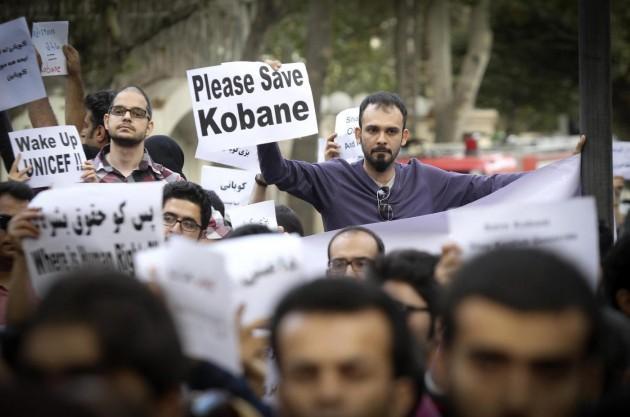 Guerra all'Isis: Kobané resiste, Usa e Turchia aspettano il massacro?