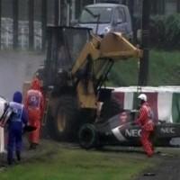 La gru su cui si è schiantato Bianchi al 46° giro. La ruspa stava sollevando la Sauber di Sutil.