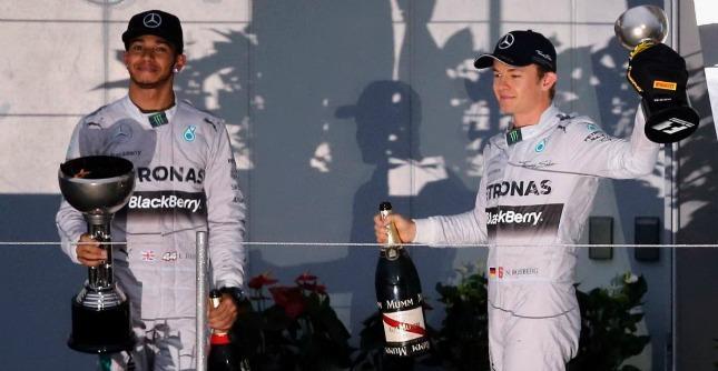 Hamilton primo classificato e Rosberg entrambi della Mercedes