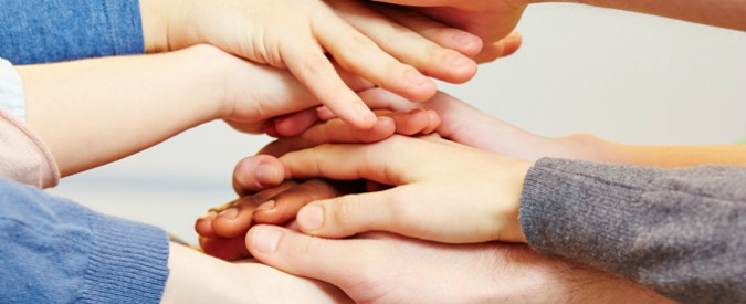 Testamento solidale, 14 italiani su 100 vogliono lasciare l'eredità a associazioni umanitarie. Fenomeno da 1,1 miliardi