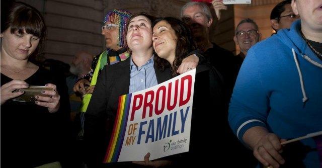 Matrimonio gay, corte Suprema Usa: sì a nozze legali almeno in 30 stati