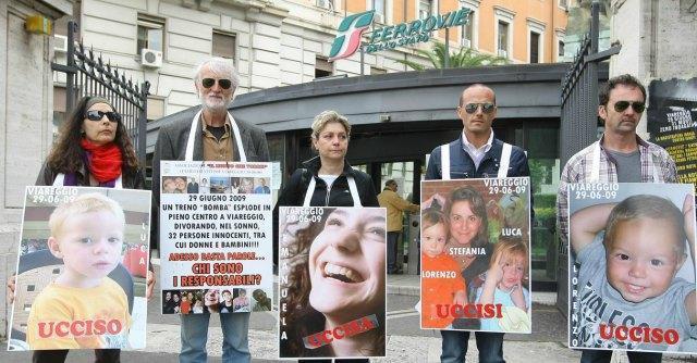 """Strage Viareggio, periti: """"Il muro richiesto da abitanti avrebbe in parte fermato il gas"""""""