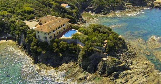 Villa Godilonda venduta a imprenditore dell'Est Europa. Sarà un hotel extra lusso