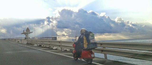 Eurovespa, viaggio su due ruote tra record, ricordi e suggestioni letterarie