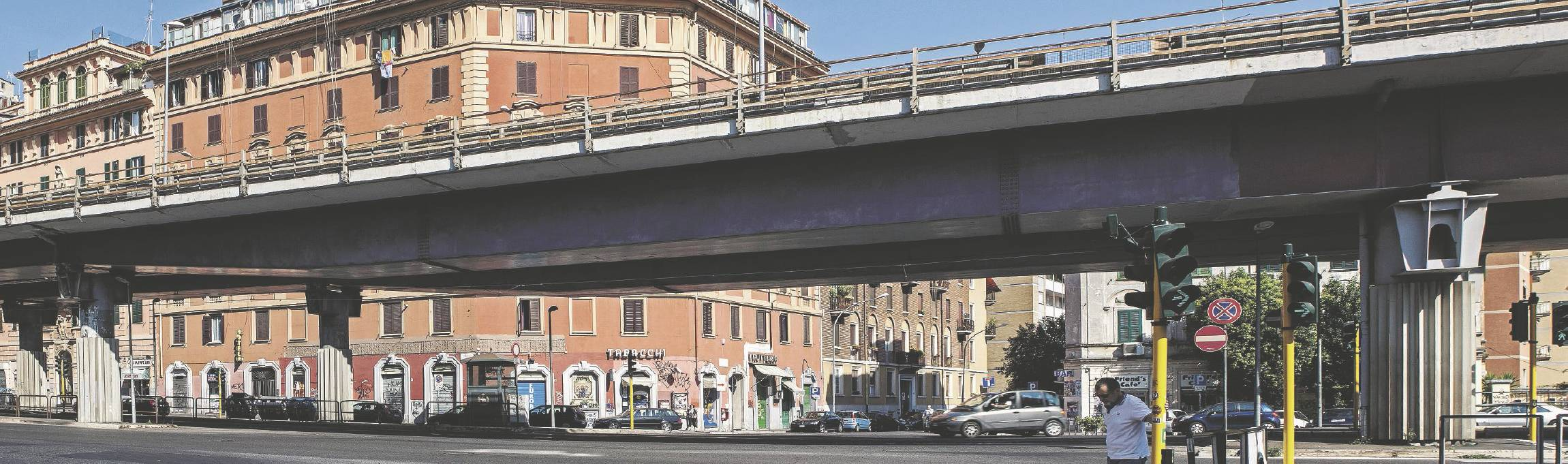 PRIMA. Tangenziale Est a Roma.  (Foto di Olga Ribichini) Sul Fatto Quotidiano di lunedì 15 settembre 2014
