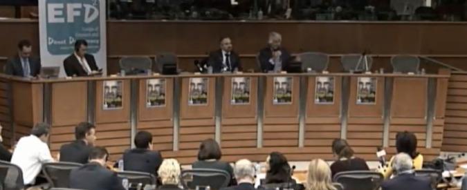 M5S, Beppe Grillo presenta il referendum sull'euro. La diretta