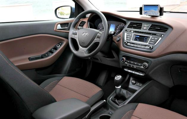 Hyundai i20 2014 interno