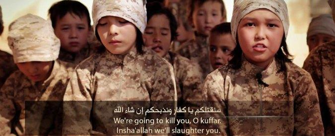 """Isis, bambini addestrati a uccidere nel video shock: """"Sgozzeremo gli infedeli"""""""