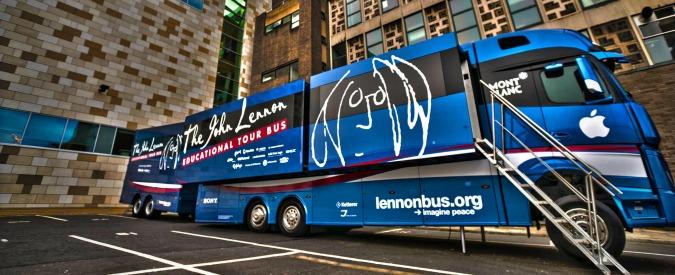"""John Lennon Bus, quando lo studio di registrazione è """"on the road"""" e per tutti"""