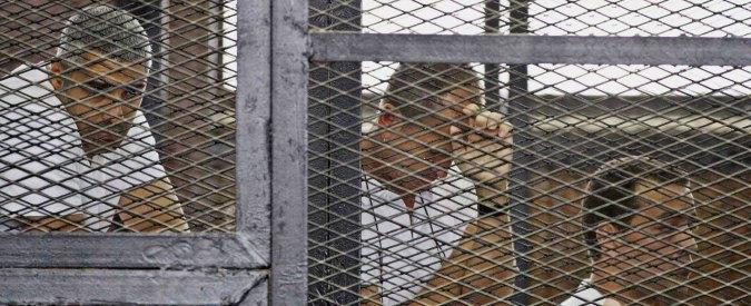 """Egitto, giornalisti arrestati e picchiati: """"Governo distrugge la libertà di stampa"""""""