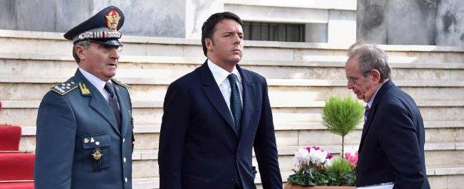 """Evasione, Renzi alla Gdf: """"E' finito il tempo dei furbi, serve onore e disciplina"""""""