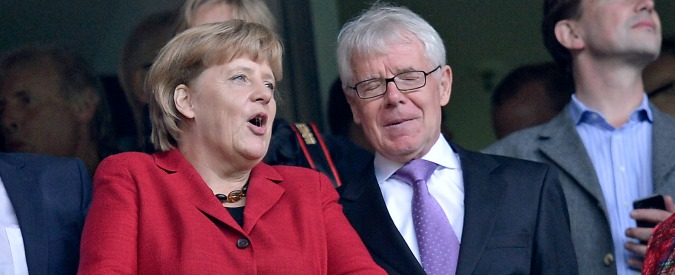 "Mondiali in Qatar e Russia, Germania minaccia la Fifa: ""Trasparenza o Uefa via"""