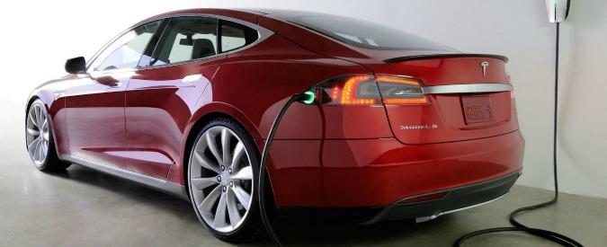 """Tesla e BMW, Elon Musk: """"Possibili alleanze su batterie e fibra di carbonio"""""""