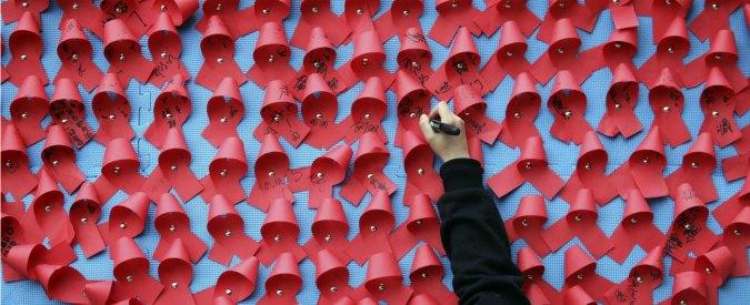 Aids, una guerra che nel mondo ha fatto 35 milioni di morti. Risposte positive da nuovo vaccino testato su macachi
