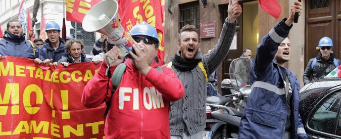 Ast Terni, operai di nuovo in piazza: occupata l'autostrada del Sole a Orte