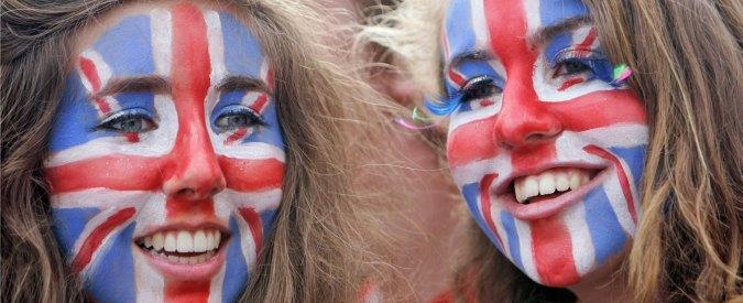 """Londra, stretta su immigrati Ue: """"Niente welfare per 4 anni e rimpatri disoccupati"""""""