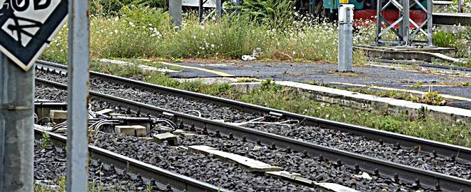 """Parabiago, 15enne muore investito da un treno per sfidare gli amici: """"Un urlo poi la frenata, sembrava una prova di coraggio"""""""