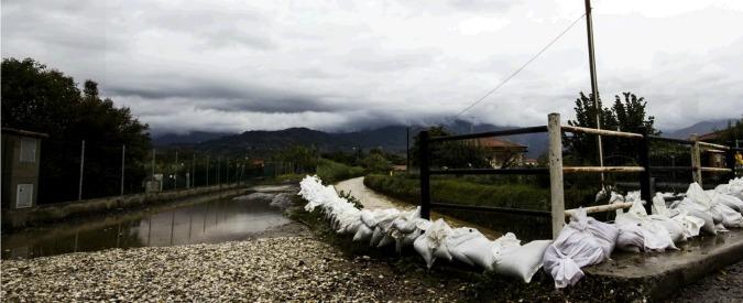 "Carrara, subappalti e milioni, ritardi ed errori: tutti i ""gemelli"" del Carrione"