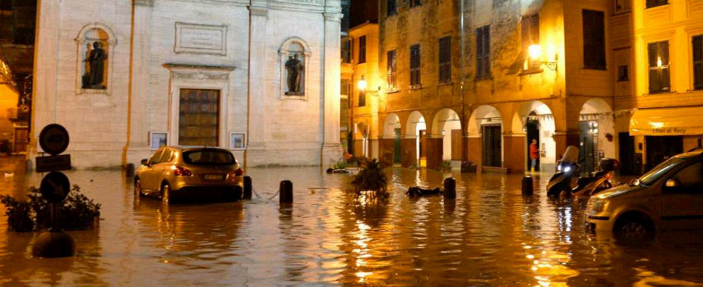 Alluvione Chiavari, le immagini del paese sott'acqua – fotogallery