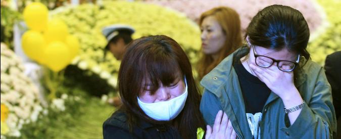 Corea del Sud, condannato a 36 anni il capitano del traghetto affondato