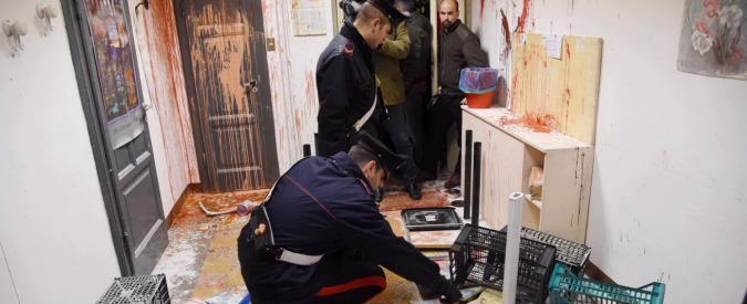 Case popolari, 2 indagate per blitz anti-Pd. A Milano nuovi scontri: otto feriti