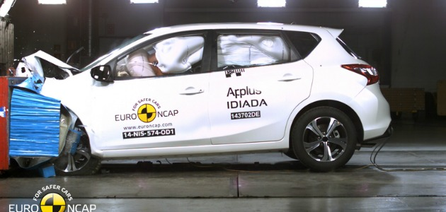 crash test Nissan Pulsar