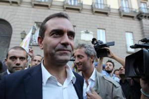 Napoli, flash mob a sostegno del sospeso sindaco de Magistris