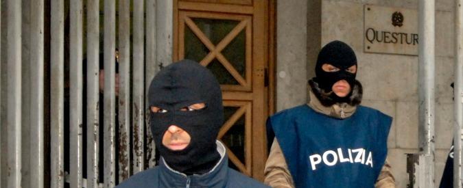 Roma, 143 bombe carta in stabile: era occupato da attivisti di destra