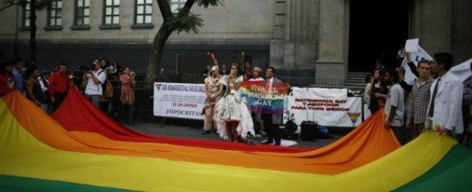 Diritti gay, la Consulta deciderà su adozione avvenuta negli Usa
