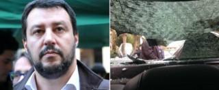Bologna, auto Salvini assalita al campo rom: autista accelera e investe 2 giovani