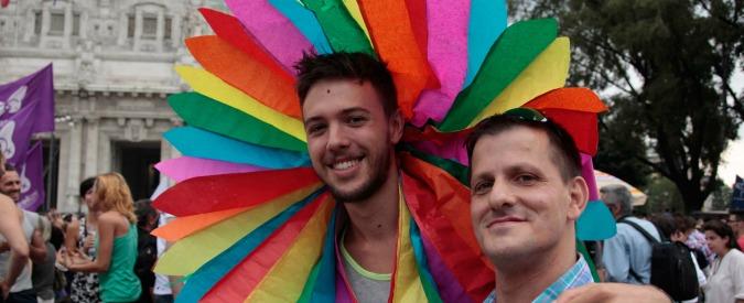 """Nozze gay, la Finlandia dice """"sì"""" a matrimoni e adozioni omosessuali"""