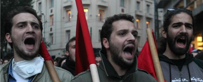 Grecia, la troika chiede altri tagli ma i ricchi diventano sempre più ricchi