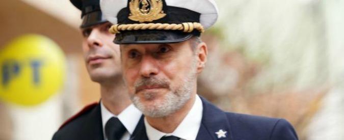 Concordia, il capitano De Falco fa ricorso al Tar dopo il suo trasferimento in ufficio