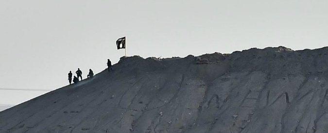 """""""Isis, lo Stato del terrore"""": in un libro inchiesta la """"modernità"""" dei decapitatori"""