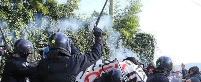 """Cortei, pronte nuove regole per la polizia: """"Evitare il contatto con i manifestanti"""""""