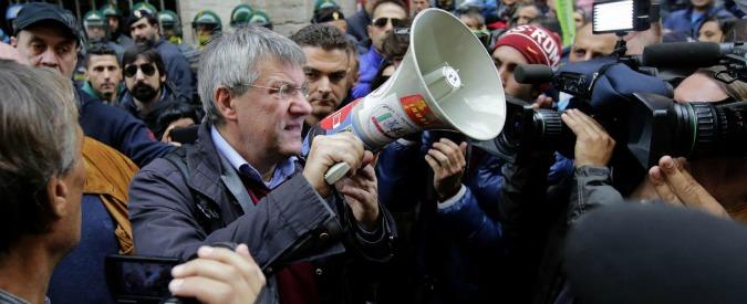 """Governo Renzi, Landini: """"Né l'esecutivo né il Pd rappresentano i lavoratori"""""""